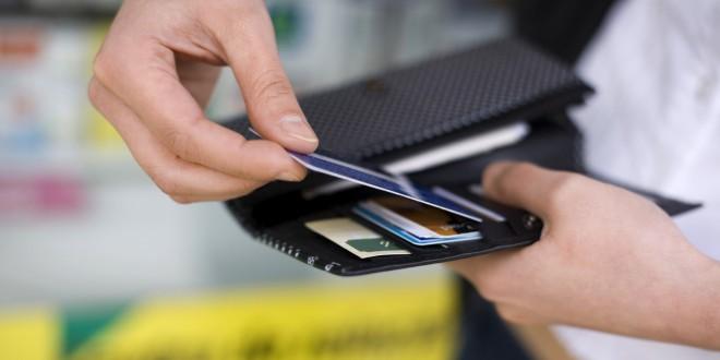 Türkiye'de koronavirüs kısıtlamalarında banka ve kredi kartı sayısı 8 milyon arttı