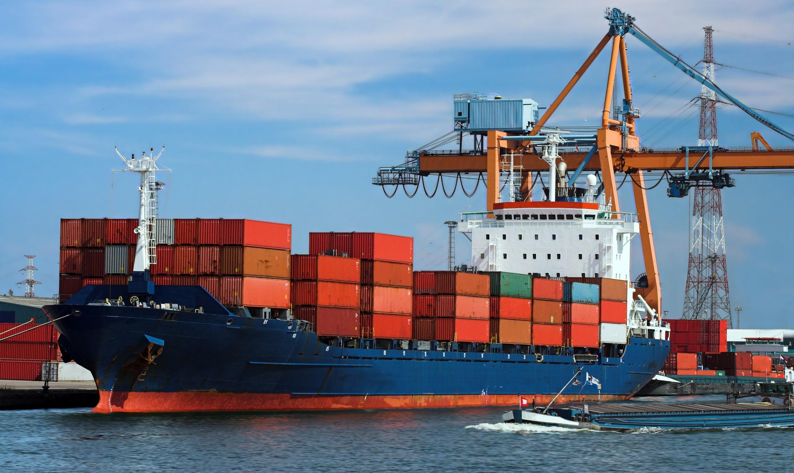 Dünyada lojistik hizmetlerinde denizyolu ve limanların önemi daha da arttı