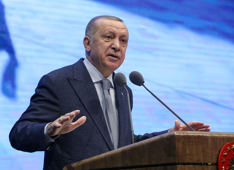 Cumhurbaşkanı: 'Böylesine kritik bir jeopolitikte ancak her alanda güçlü olabilirsek ayakta kalırız.'