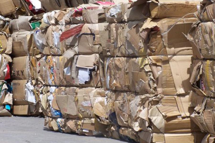Almanya' da ders kitapları 15 yıl kullanılabiliyor; bizde ise her yıl 300 bin kitap çöpe gidiyor