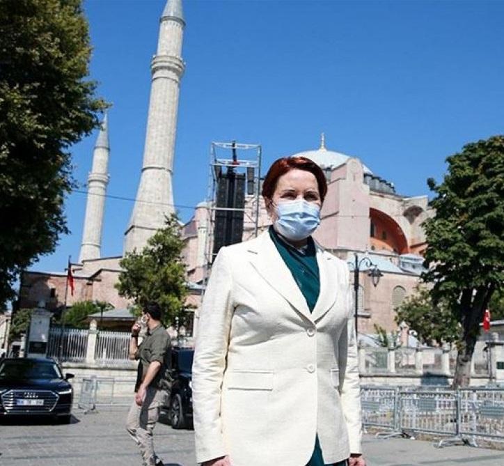 İYİ Parti Başkanı Akşener Ayasofya ziyaretinde milli vicdanda yer bulan kahramanlarımızı yad etti