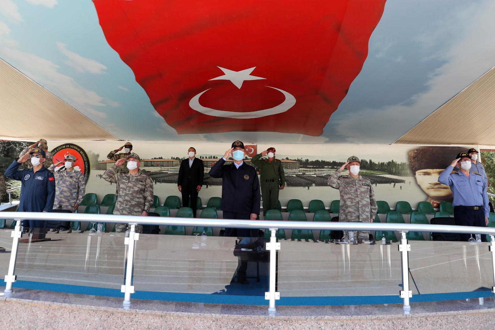 Milli Savunma Bakanı Akar: 'Hudutlarımızın, halkımızın güvenliğini sağlayacağız.'