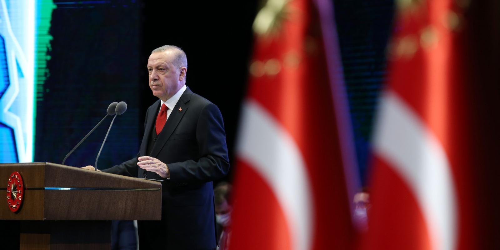 'Ekonomi, hukuk ve demokraside yepyeni bir seferberlik başlatıyoruz.'