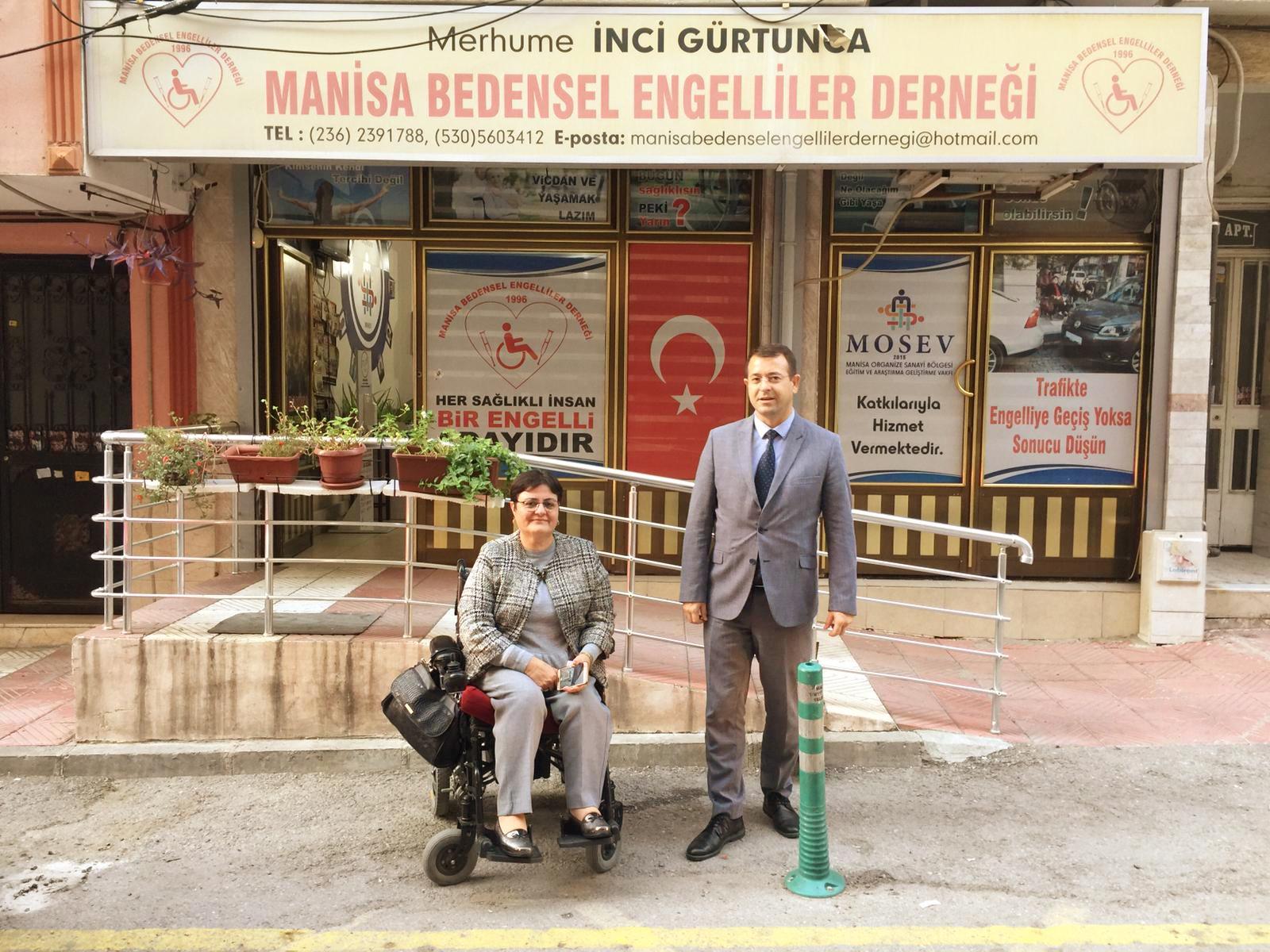 Mustafa Feridun Gülgeç' ten Manisa Bedensel Engelliler Derneği Başkanı'na ziyaret