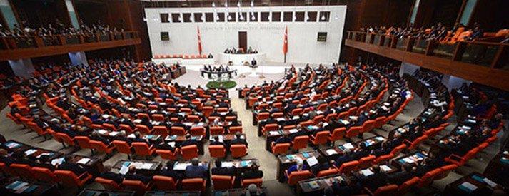 Gazeteci Hakan Özen'in destek verdiği Sağlık çalışanlarının talebi Meclis'te yer buldu