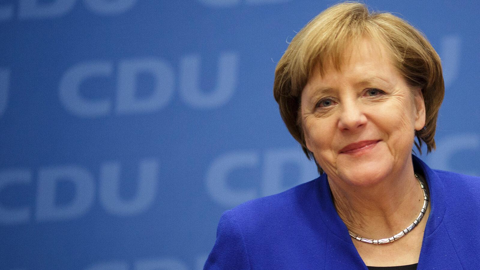 Merkel: 'Aşı'da Türklerin temel bilimsel katkıyı yapmalarından dolayı çok mutlu oldum'