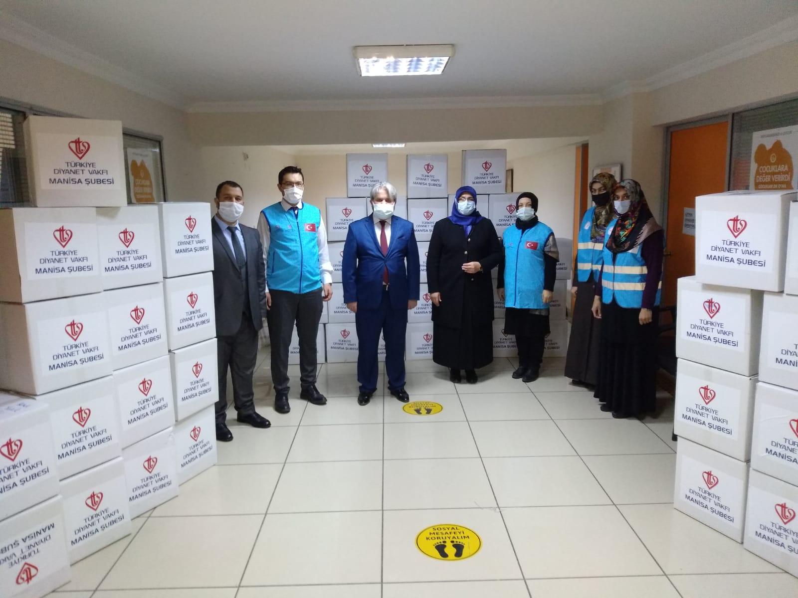Manisa'da STK ve Türkiye Diyanet Vakfı işbirliğiyle 'İlmek İlmek İyilik' Projesi