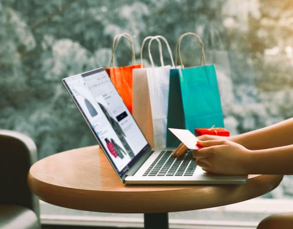 E-ticaret'in 2020 için büyüme hedefi yüzde 30'du ancak artan satışlar hedefi yükseltti