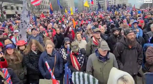 Trump destekçileri ile karşıtları arasındaki gerilim sokağa yansıdı