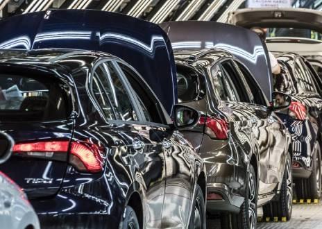 Otomotivde üretim ve ihracat Ocak'ta azaldı