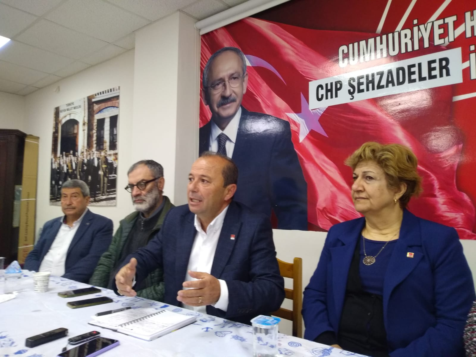 'İŞYERLERİ KAPANIYOR, CEZAEVLERİ AÇILIYOR'