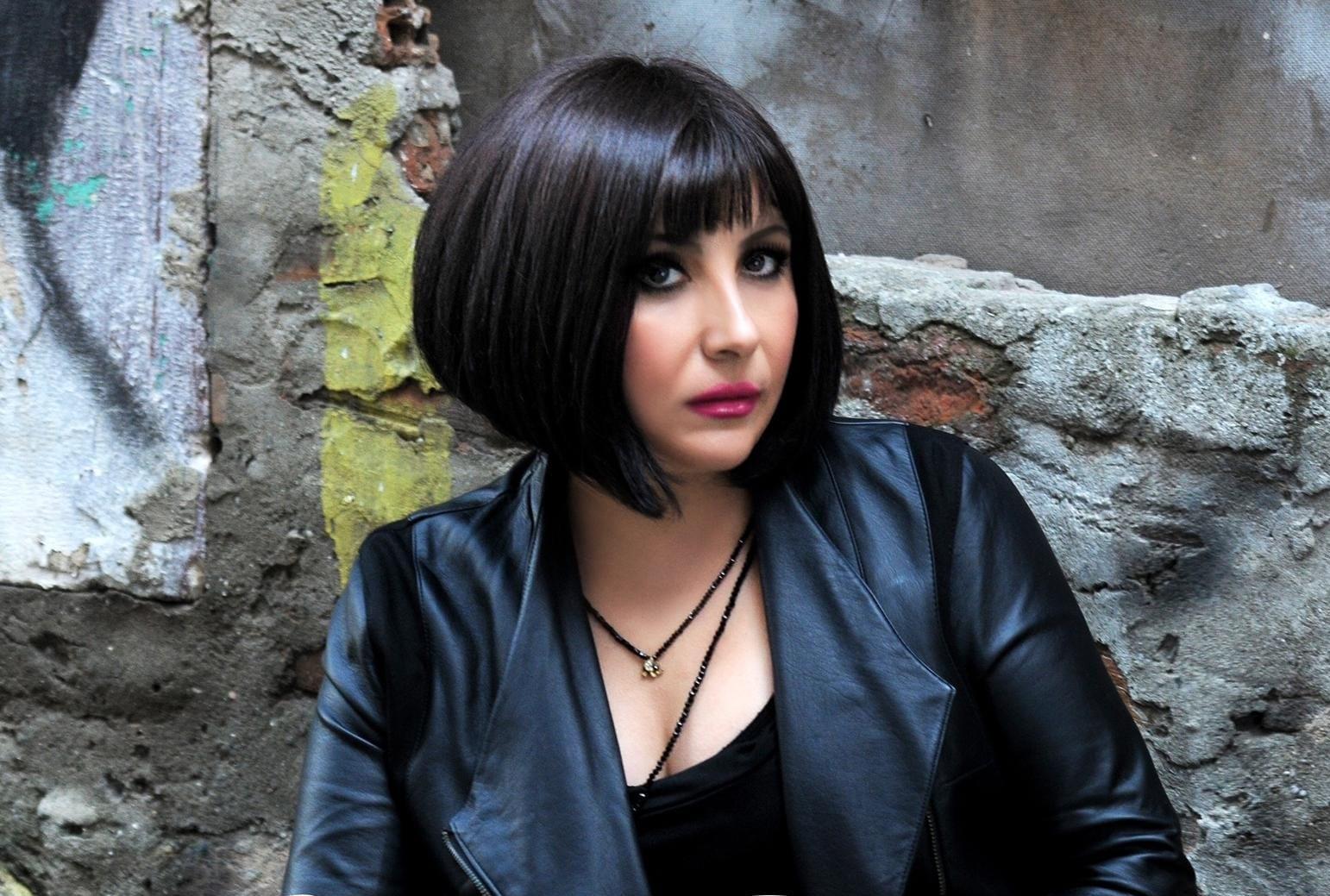 Sanatçı Çilem Duman, müzik listelerine iddialı bir yapım ile giriş yaptı