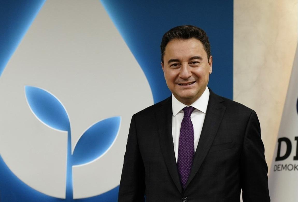 Babacan: ''Ekonomiyi düzeltmenin yolu hukuk devletinden geçer!'