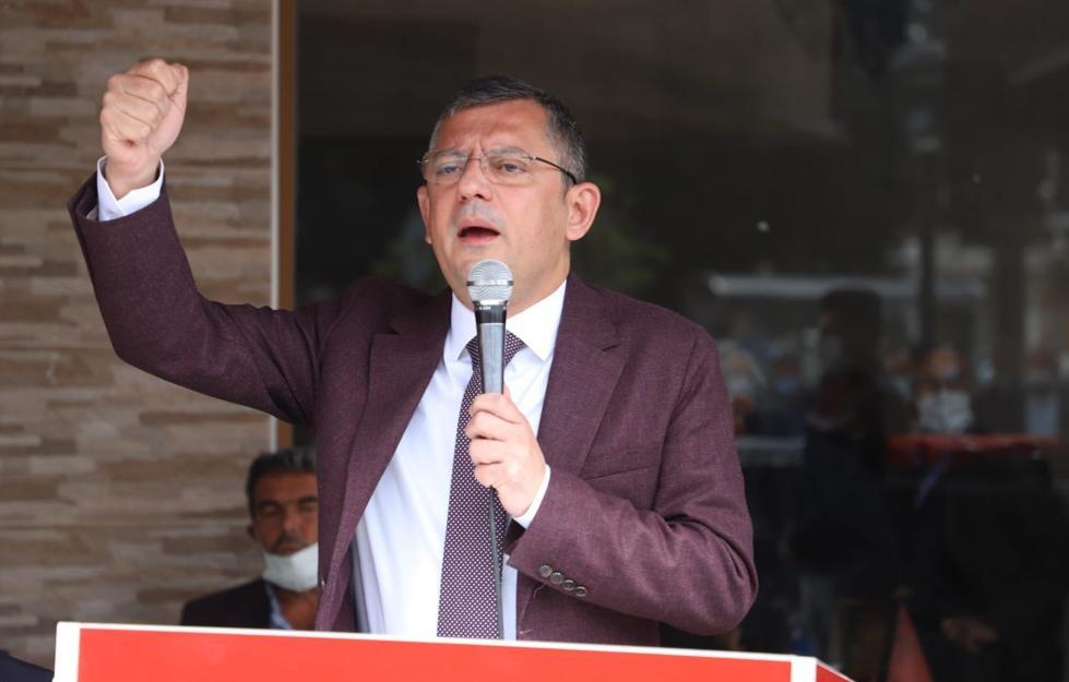 Özgür Özel: 'Sağlık Bakanı, Bilim Kurulu ile Şahsı Bilir Kurulu arasına sıkışmış.'