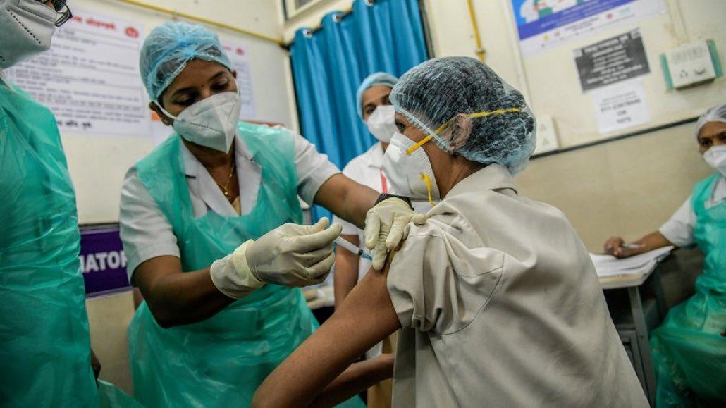 Hindistan günlük olarak en fazla Covid-19 ölümlerinin kaydedildiği ülke
