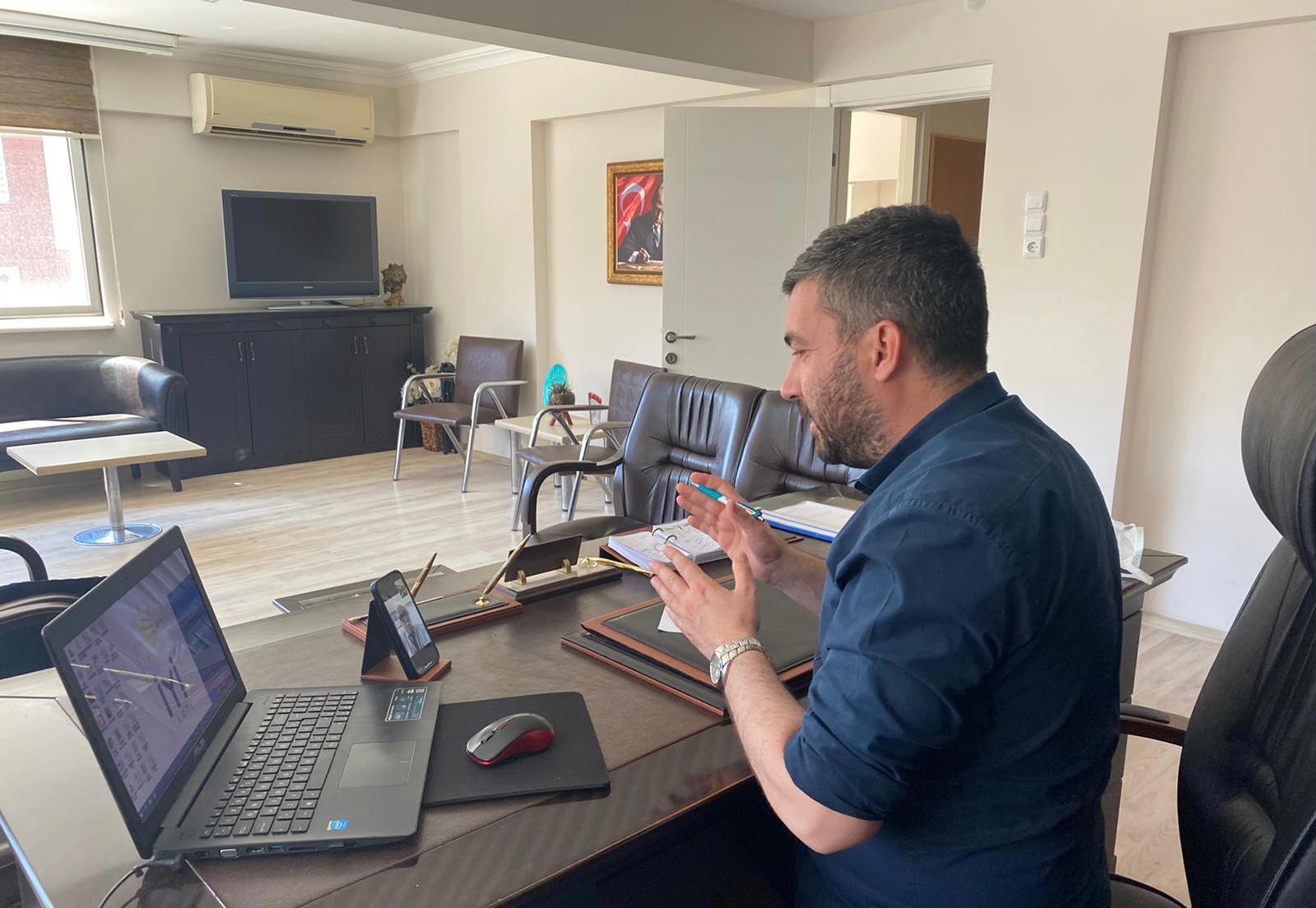 İYİ Partili Akan kahveci esnafının sorunlarını dinledi
