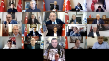 'Kendilerinin yaptıkları kongreden sonra Türkiye kırmızıya boyandı.'